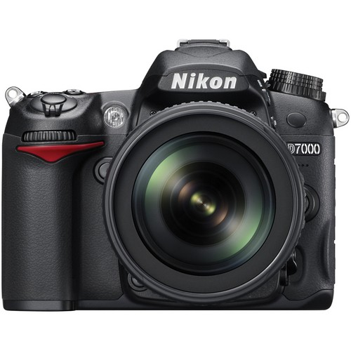 Nikon D7000 DSLR Camera Kit with 18-105mm DX-VR Lens